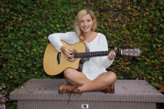 Cyrelle schrijft problemen van zich af op eerste EP