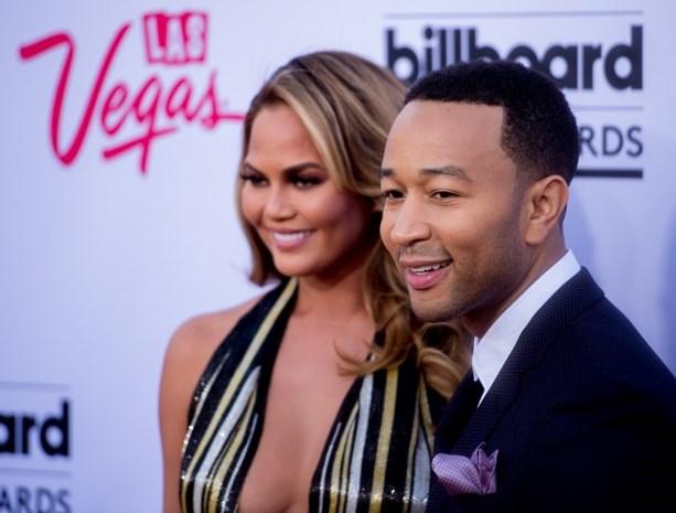 John Legend en zijn vrouw verwachten eindelijk kindje