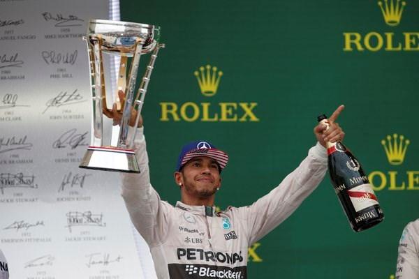 "Lewis Hamilton: ""Ayrton Senna evenaren was mijn doel"""