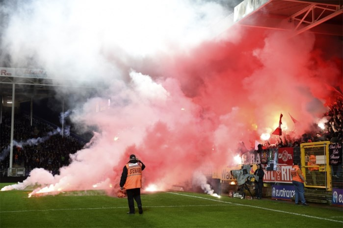 "Standard: ""We veroordelen incidenten met fans in Charleroi"""