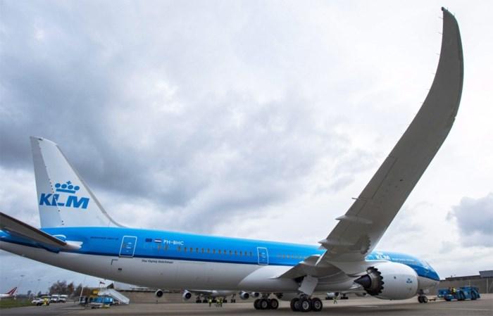 Twee verdachte mannen uit vliegtuig gehaald op Londense luchthaven