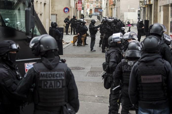 Speurders hebben het raden naar identiteit derde dode in Saint-Denis