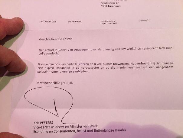 Minister Kris Peeters feliciteert Turnhouts ondernemer