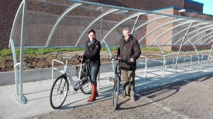Nieuwe overdekte fietsenstalling aan de  sporthal