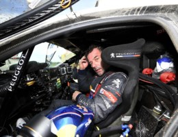DAKAR. Loeb zegeviert ook in derde etappe bij de wagens