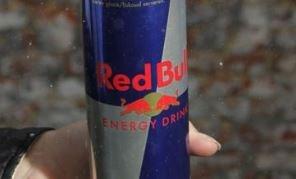 Dievegge van blikjes Red Bull vrijgelaten