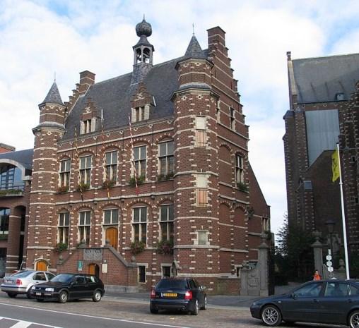 Stadhuis in de namiddag gesloten op 8 januari