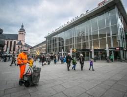 Slachtoffer getuigt over aanranding in Keulen: