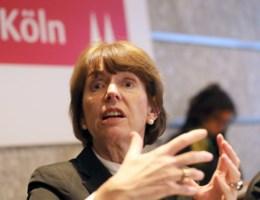 """Burgemeester Keulen: """"Vrouwen moeten op armlengte blijven van vreemden en bij eigen gezelschap blijven"""""""