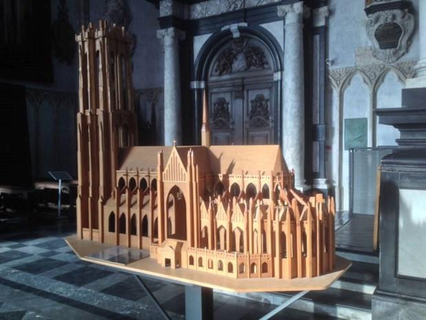 Blinden en slechtzienden kunnen kathedraal nu voelen
