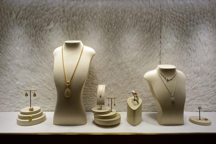 Nederlandse overvaller klem onder rolluik juwelier
