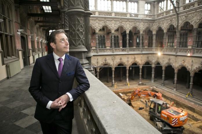 Bart De Wever in vijf vragen over zijn burgemeesterschap