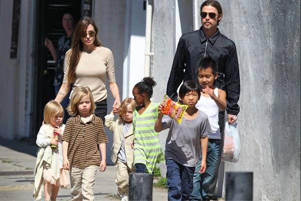 """Angelina Jolie: """"Ik wilde nooit kinderen"""""""