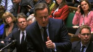 Cameron verdedigt akkoord in fel debat