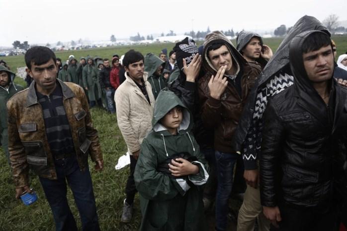 Oostenrijkse minister van Buitenlandse Zaken roept op om meer grenzen te sluiten