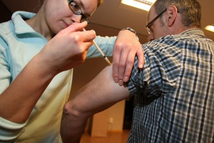 Ook verpleegkundigen mogen vanaf nu vaccinaties toedienen