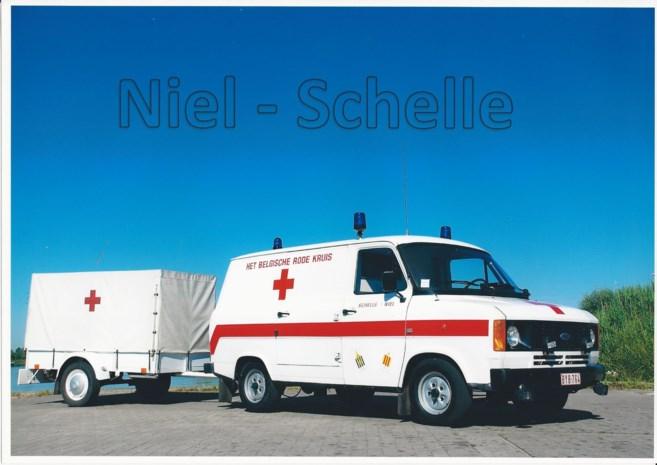 Oude Ford Transit: van ambulance- tot materiaalwagen en oldtimer