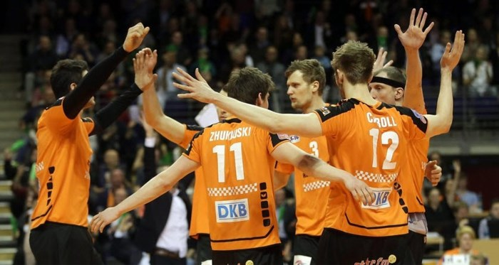 Berlijn en Krasnodar winnen CEV Cups
