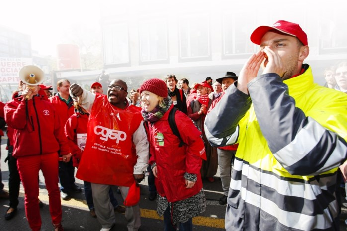 Cipiers en buschauffeurs in Wallonië staken voort