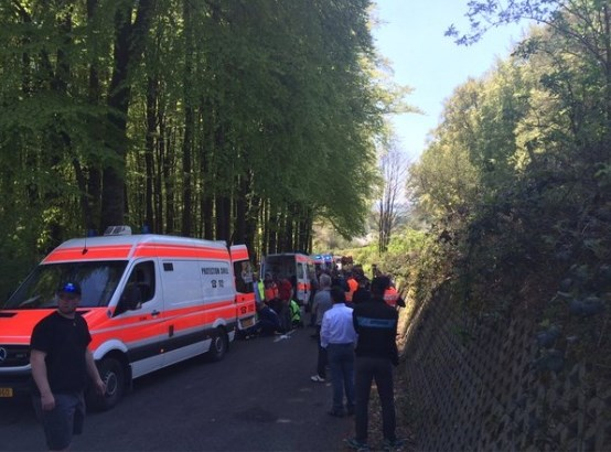 "Etappe in Luxemburgse koers volledig afgebroken na massale valpartij: ""Eén renner in coma"""