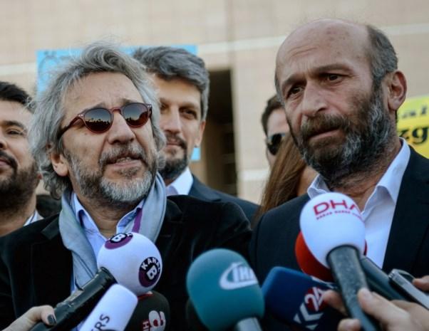 Journalisten veroordeeld tot celstraffen voor artikel over Turkse wapenleveringen