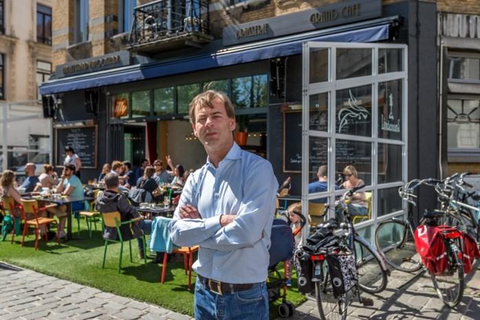 "Uitbater café snoeit 's nachts illegaal bomen: ""Ik wilde gewoon de duiven weg"""