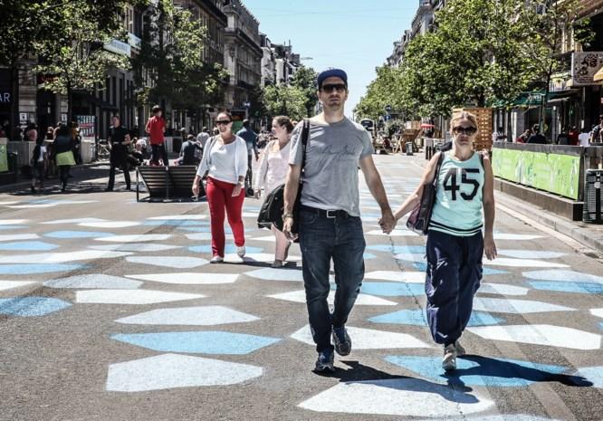 Brusselse voetgangerszone wordt decor van kauwgomkunst