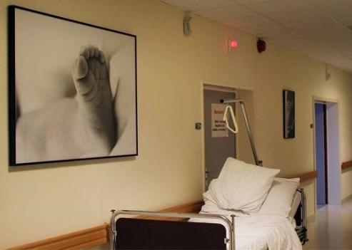 Mama (35) sterft bij bevalling, baby gezond