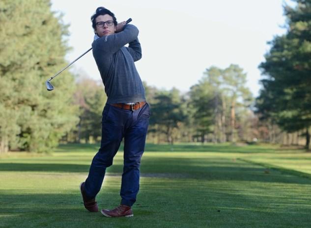 Hesbois opent met twaalfde plaats in Gosser Open golf