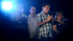 Filipijnse president bedreigt corrupte agenten met de dood