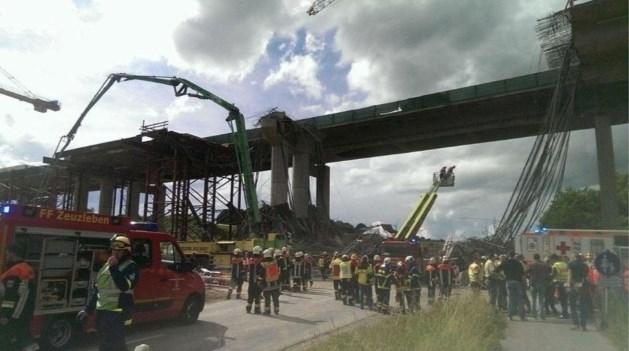 Stelling voor autowegbrug in Beieren stort in: meerdere doden
