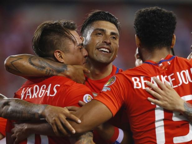 Titelverdediger Chili verovert laatste ticket voor kwartfinale Copa America