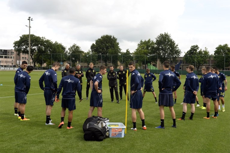 STVV verwelkomt zestien spelers en nieuwe coach op eerste training
