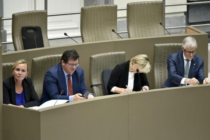Vlaams Parlement keurt fusiedecreet gemeenten goed