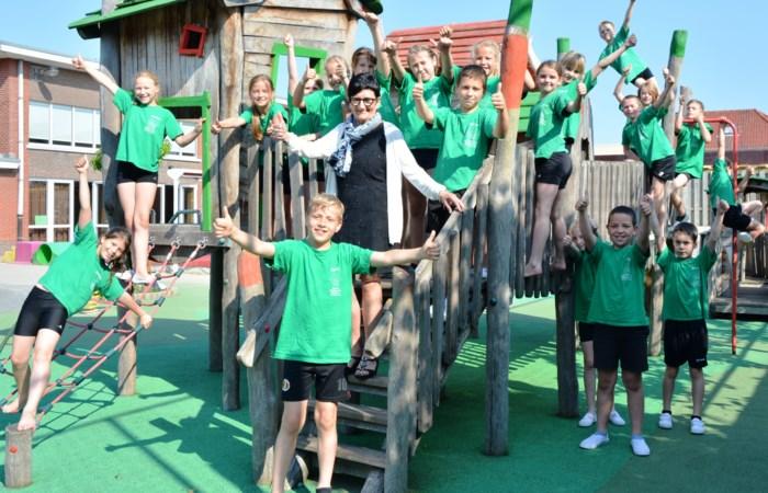 Eigentijdse dorpsschool zwaait Juf Lies uit