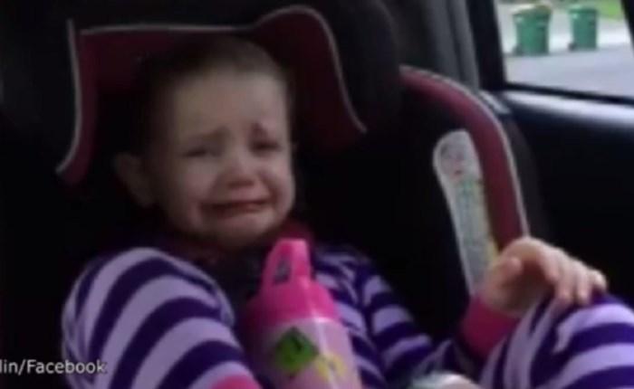 Meisje (4) in tranen als ze hoort dat president Obama opstapt