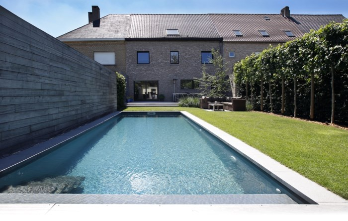 Een zwembad in een stadstuin: binnenkijken bij Dirk en Sophie