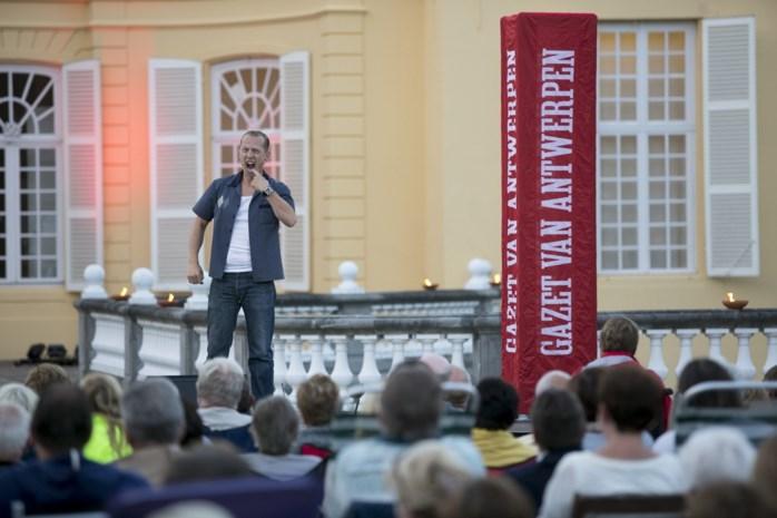 Joost Van Hyfte serveert hapklare comedy aan kasteel d'Ursel