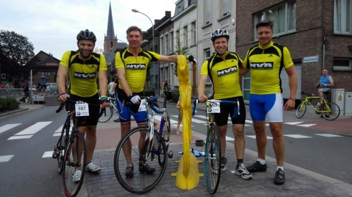 Bestorming van de Bosstraat een groot wielerfeest