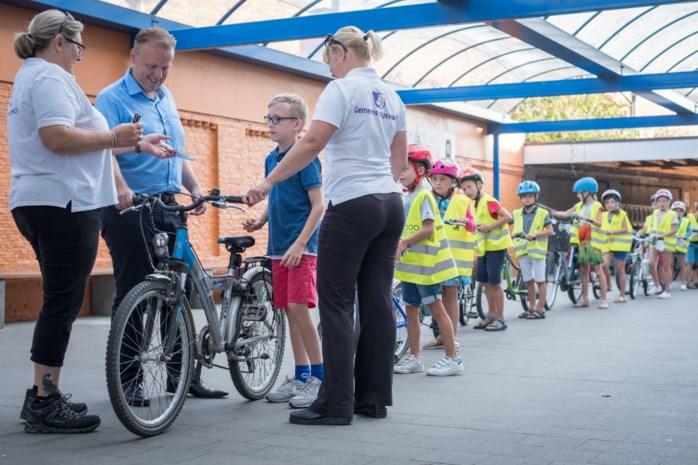 Eerst fietscontroles op school, dan op de openbare weg