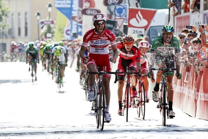 Gavazzi pakt de bloemen in Memorial Marco Pantani