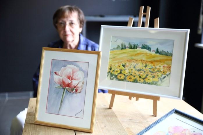 Juliette Clauwaert toont aquarel tijdens De Rode Draad