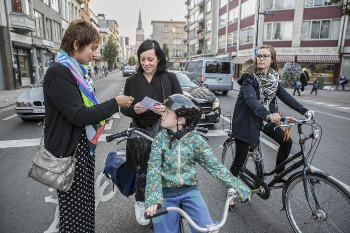 Sp.a deelt reflectoren uit aan fietsers