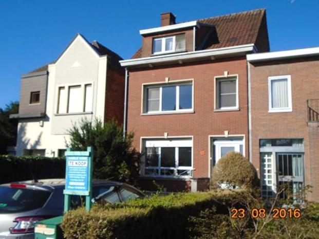 """""""Mijn huis kopen? Eerst 10 euro betalen en dan mag je het zien"""""""