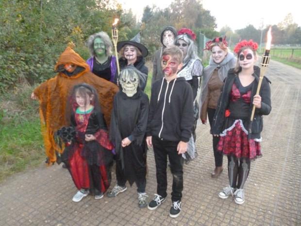 FC Blaasveld jeugd viert Halloween