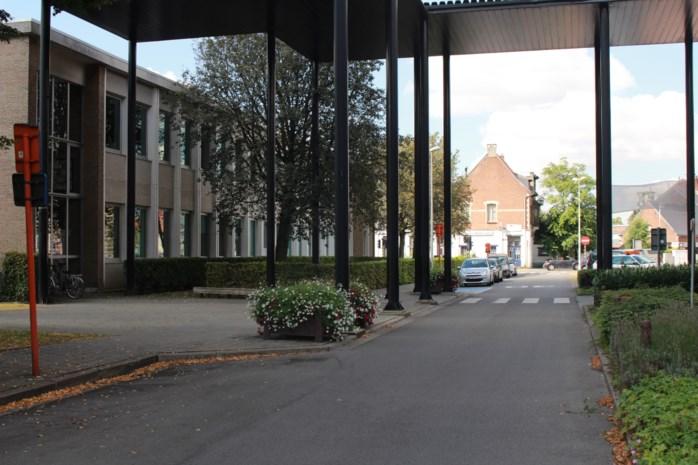 Verkeerssituatie op Jef van Hoofplein gewijzigd tijdens bouw nieuwe kleuterschool