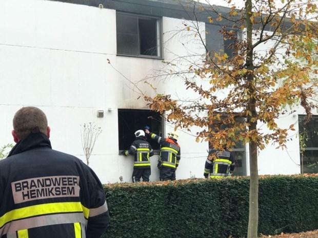 Zware schade in woning na keukenbrand