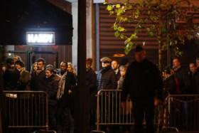 Emotioneel moment jaar na bloedbad: stilte en dan heropent Sting de Bataclan