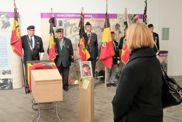 Kolonel Willy De Jonghe met groot militair eerbetoon begraven