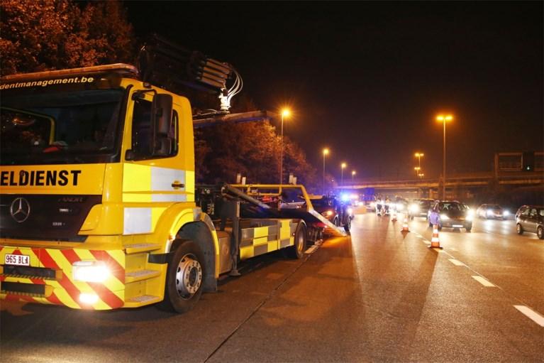 Kop-staartbotsing ontketent grote verkeershinder op Antwerpse Ring